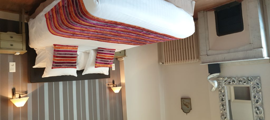 Chambre superieure hotel la residence Narbonne