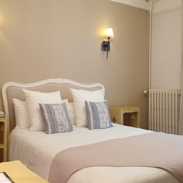 Chambre standard hotel la residence Narbonne