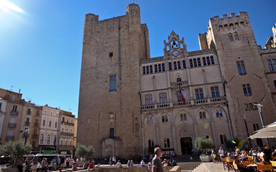 Place de l'hôtel de ville Narbonne