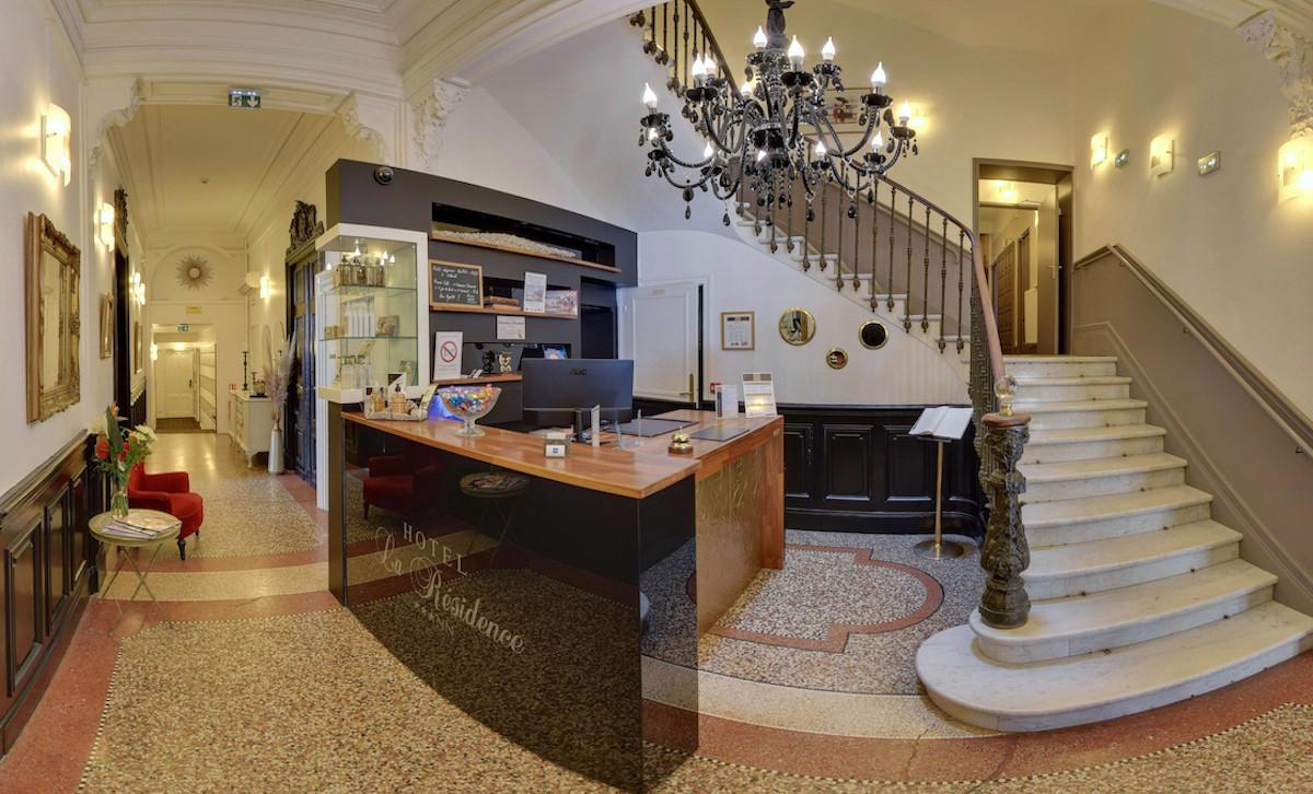 Réception hôtel la résidence narbonne