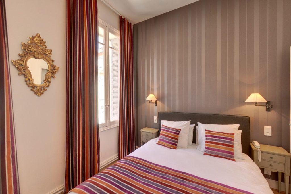 Chambre supérieure hotel la résidence Narbonne